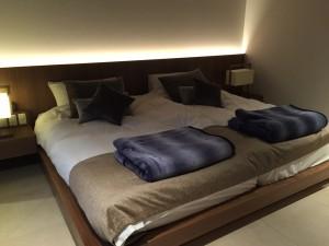 プラチナスイートのダブルベッド